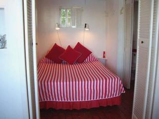 C91. Charming Cottage Set in Gardens with A View - Hamilton vacation rentals