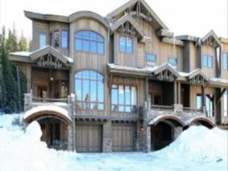 Base Camp #496: 4-Bedroom Exquisite Ski-in/Ski-Out - Winter Park vacation rentals