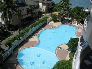 A lovely 2 Bedroom Holiday Beach Condo in Cha-Am - Cha-am vacation rentals