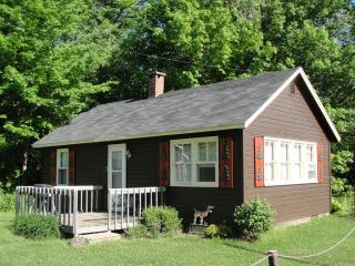 The Cottage at Boulder Lodge on Ghost Lake - Hayward vacation rentals