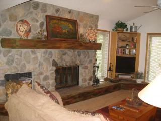CC211 Cross Creek 2BR 2BA - Frisco - Powderhorn vacation rentals