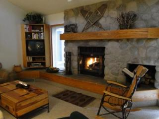 CC301 Cross Creek 2BR 2BA - Frisco - Powderhorn vacation rentals