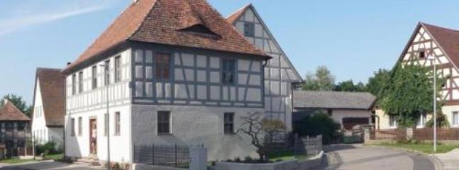 Vacation Apartment in Bad Windsheim - 1055 sqft, historic, central, comfortable (# 3655) #3655 - Vacation Apartment in Bad Windsheim - 1055 sqft, historic, central, comfortable (# 3655) - Bad Windsheim - rentals