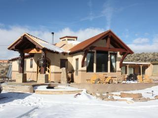 Taos: Sunrise at the dOme , a magnificent property - New Mexico vacation rentals