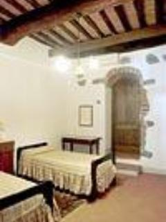 Bedroom with en suite bathroom - APPARTAMENTO DEL BORGO -  Centre of Cortona - Cortona - rentals