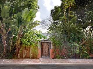 Exotic Hollywood Hills Studio in  Tropical Setting - Hollywood vacation rentals