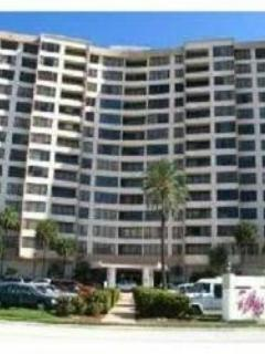 Front of the building - Luxury on the beach in Hollywood! - Hollywood - rentals