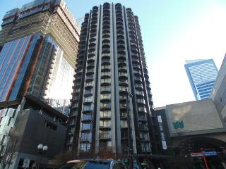 Downtown 1 BR - Sky High Apartment - Seattle Metro Area vacation rentals