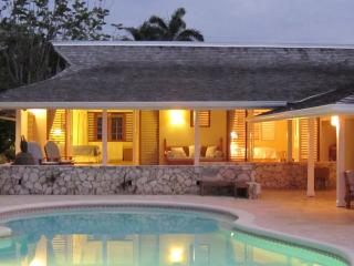 Fabulous 3 Bedroom Beachfront Villa with Pool in Montego Bay - Montego Bay vacation rentals