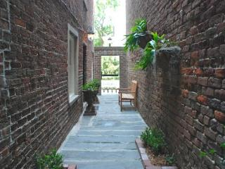 Pulaski Square Retreat - Savannah vacation rentals