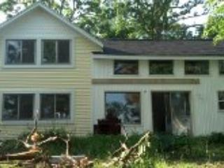 Front view facing the lake - Cozy Cottage near Croton Dam - Newaygo - rentals