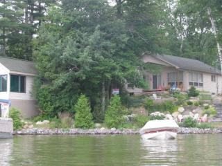 Lake Couchiching Family Retreat - Honey Harbour vacation rentals
