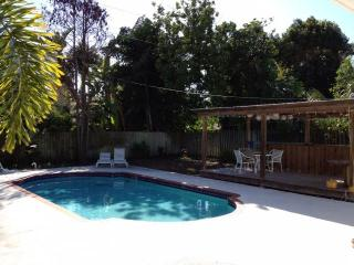 Peaceful HOUSE with PRIVATE POOL 2 Blocks To Beach - Indian Shores vacation rentals