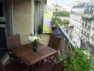 Direct by Owner: Central, Elegant.Comfort, Balcony - Paris vacation rentals
