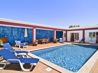 Charming villa w/ large mature garden,playground - Lagos vacation rentals