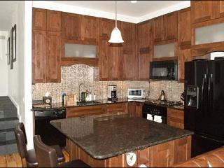 Luxurious & Spacious Condo - Corner Unit with Lots of Privacy (1225) - Ketchum vacation rentals