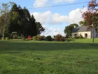 Detached child friendly cottage with large private garden - Plounevez-Quintin vacation rentals