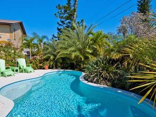 Coastal Cottage: 3BR/2BA Family- and Pet-Friendly Pool Home - Anna Maria vacation rentals