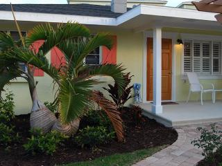 Happy Heron: 1BR/1BA Newly Renovated and Block from Beach - Holmes Beach vacation rentals
