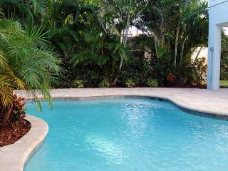 Beautiful Villa by the Sea: 4BR/3BA Family- and Pet-Friendly Pool Home - Holmes Beach vacation rentals