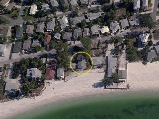 Wave Crest: 2BR/2BA Beachfront Cottage...It's All About Location! - Anna Maria vacation rentals