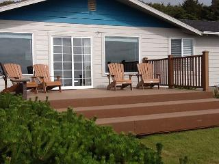 Ocean Front with short walk to beach in South Beach - Waldport vacation rentals