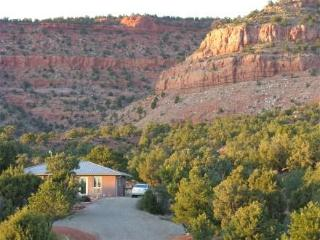 Red Cliff Retreat...close to Zion, Bryce, and more - Kanab vacation rentals