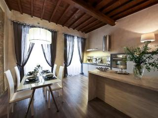 'Florentine Chic' One Bedroom - Florence vacation rentals