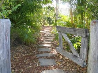 Hillcrest Mount Warning View Retreat - Spa Cottage - Upper Crystal Creek vacation rentals