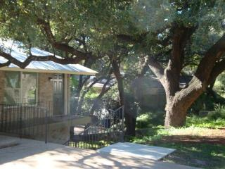 Super clean, new remodel Two Bedroom, walk to SoCo - Austin vacation rentals