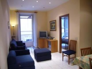 Comfort in convenient location at the Vatican. - Rome vacation rentals