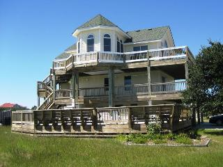 Perfect Family House! Pool, Hot Tub, Volleyball, 800' to Beach. 8/30 week discounted! WH21 - Corolla vacation rentals