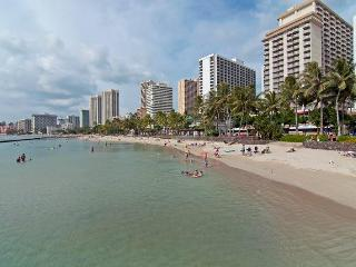 Remodeled Condo by the Beach with Full Kitchen - Honolulu vacation rentals