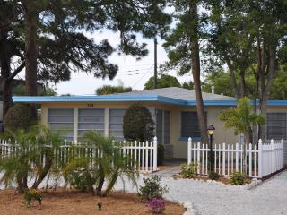 Venice Island Beach Cottage - Venice vacation rentals
