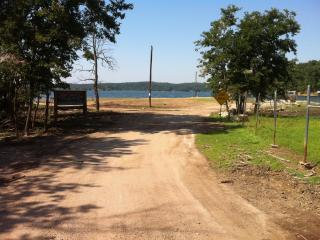 beaver Lake,boating sking, fishing,restraunts,shop - Rogers vacation rentals