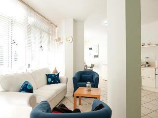 Gorgeous apartment right on Las Canteras beach - Las Palmas de Gran Canaria vacation rentals