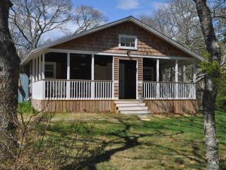 Martha's Vineyard Cottage $200 Off Sept. Rates - Edgartown vacation rentals