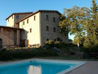 A magical place where you can relax in the green - Nocera Umbra vacation rentals