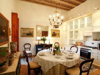 Gracious Galleria Apartment in the Heart of Rome - Rome vacation rentals