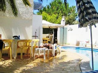 Pretty 3bdr villa w/ biliard table,1Km beach - Algarve vacation rentals