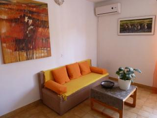 Apartment Tomic  A1  (2+3) - Mastrinka - Island Ciovo vacation rentals