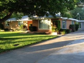 Pasco Place 3 Bedroom Furnished Home - Pasco vacation rentals