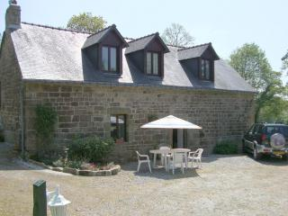 Cottage over looking fishing lake with heated pool - Langoëlan vacation rentals