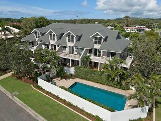 Airlie In Byron  2 bedroom s/c apartment at beach - Byron Bay vacation rentals