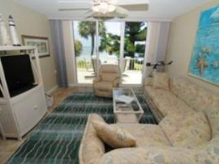 Lighthouse Pointe #223 Sat to Sat Rental - Image 1 - Sanibel Island - rentals