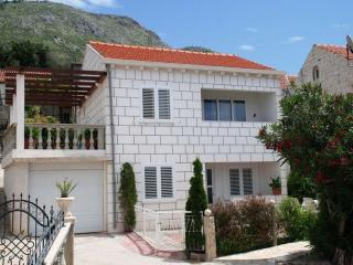 Apartment Tomic B - Cavtat vacation rentals