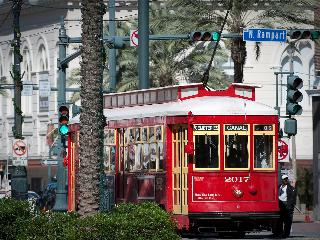 BOOK ONLINE! Steps to Canal, Bourbon and French Quarter! Pool! Stay Alfred MA2 - Louisiana vacation rentals