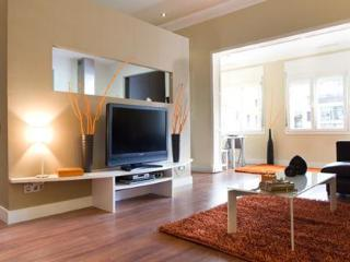 Space & comfort in the centre - Coli 24 - Barcelona vacation rentals