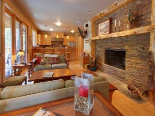 Detroit Lake Lodge - Willamette Valley vacation rentals