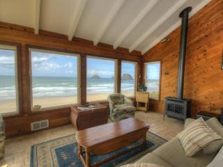 Blue Sea Oceanfront Cottage - Oceanside vacation rentals
